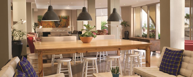 Mgahawa wa Living Lounge Ramada Resort Dar Es Salaam